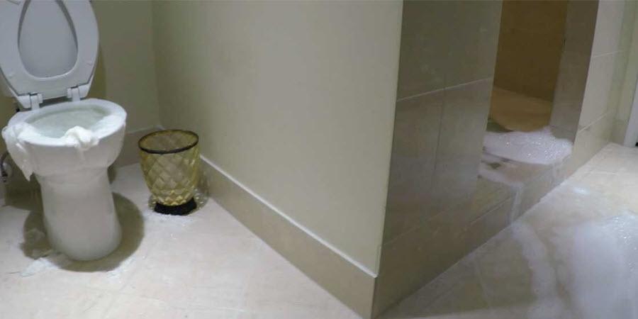 sewage cleanup Los Angeles in bathroom